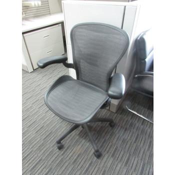 Herman Miller (Tuxedo) Aeron Chair